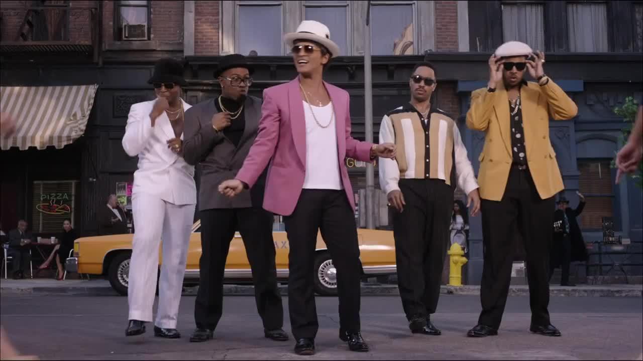 Скачать марк ронсон uptown funk.