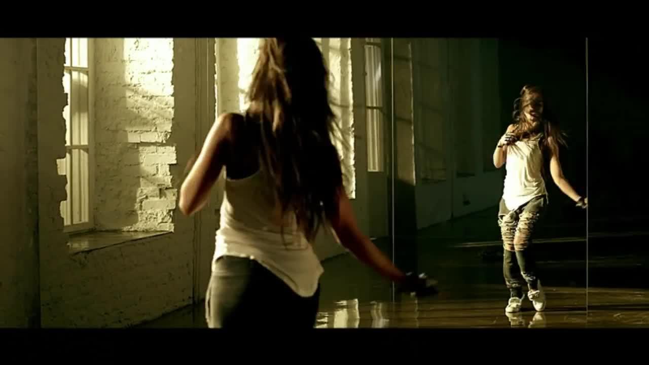 Нюша - Больно — слушать песню и смотреть клип