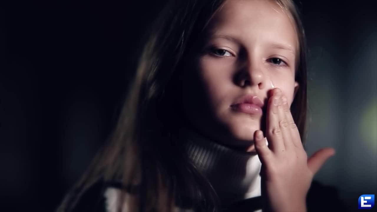 Что за музыка из рекламы Натали Портман